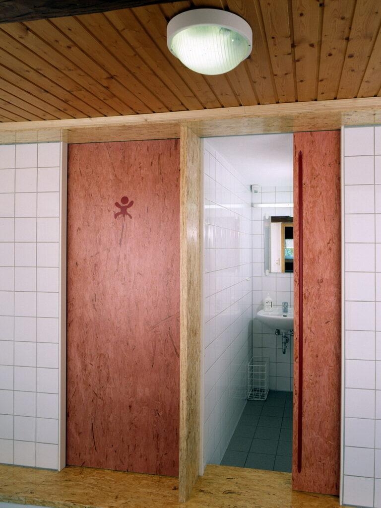Toiletten Dachgeschoss Schloss Ebersberg