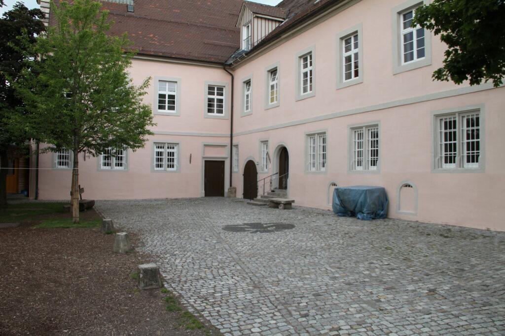 Hof Schloss Ebersberg