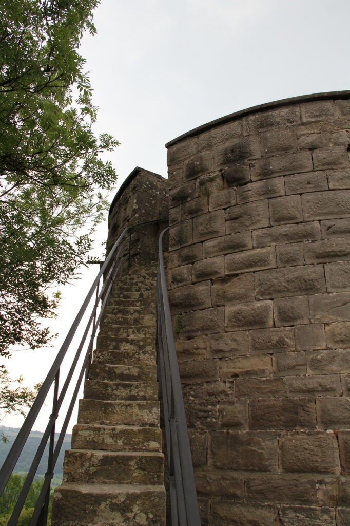 Zugang Großer Turm Schloss Ebersberg